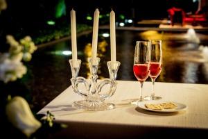 dinner-605706_1920